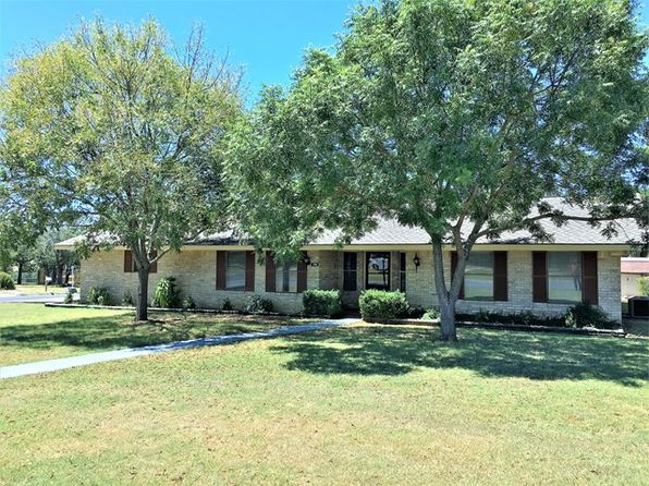 3 bed 2 bath Single Family at 100 Sherwood Ln Kerrville, TX, 78028 is for sale at 220k - 1 of 21