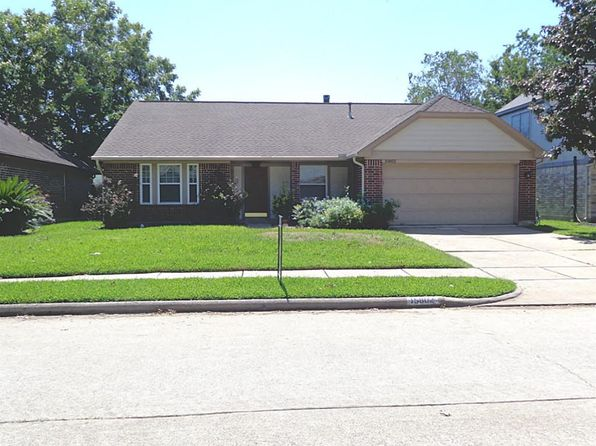 4 bed 2 bath Single Family at 15802 Pilgrim Hall Dr Friendswood, TX, 77546 is for sale at 212k - 1 of 10