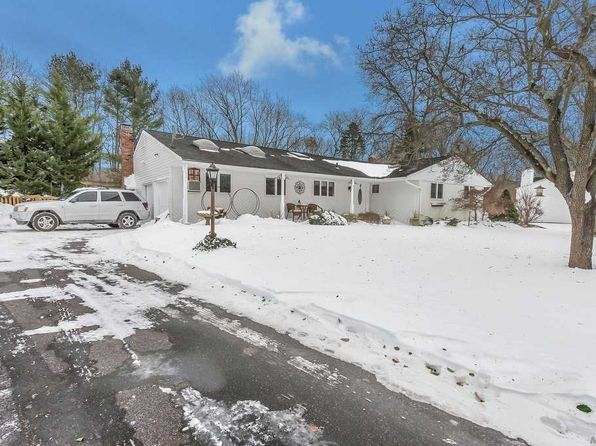 4 bed 3 bath Single Family at 32 FRAZER DR GREENLAWN, NY, 11740 is for sale at 599k - 1 of 20