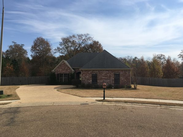 3 bed 2 bath Single Family at 113 Dundee Cv Clinton, MS, 39056 is for sale at 186k - 1 of 48