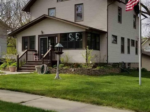4 bed 2 bath Single Family at 102 W Grove St Janesville, MN, 56048 is for sale at 164k - 1 of 20