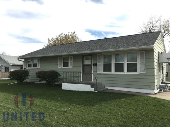 3 bed 2 bath Single Family at 204 E 32nd St South Sioux City, NE, 68776 is for sale at 129k - google static map