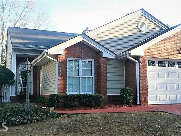 2 bed 2 bath Condo at 139 Greison Trl Newnan, GA, 30263 is for sale at 194k - 1 of 17