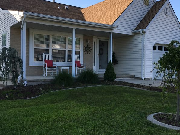 2 bed 2 bath Single Family at 12 Narberth Way Toms River, NJ, 08757 is for sale at 200k - 1 of 8