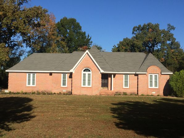 3 bed 2 bath Single Family at 180 Meadow Oaks Ln Bolivar, TN, 38008 is for sale at 150k - 1 of 4