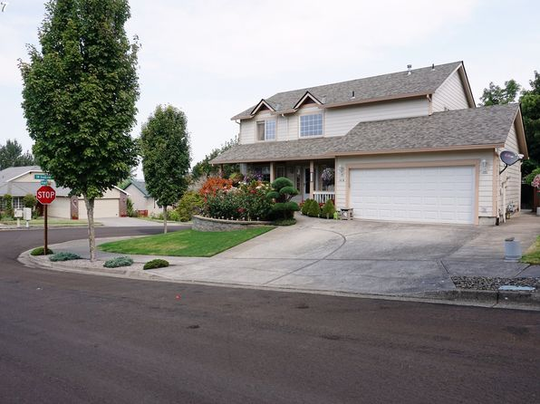 4 bed 3 bath Single Family at 1410 SW Meteor Pl Troutdale, OR, 97060 is for sale at 390k - 1 of 32