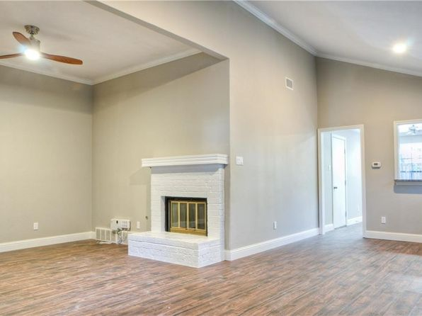 2 bed 2 bath Multi Family at 6226 Winton St Dallas, TX, 75214 is for sale at 325k - 1 of 12