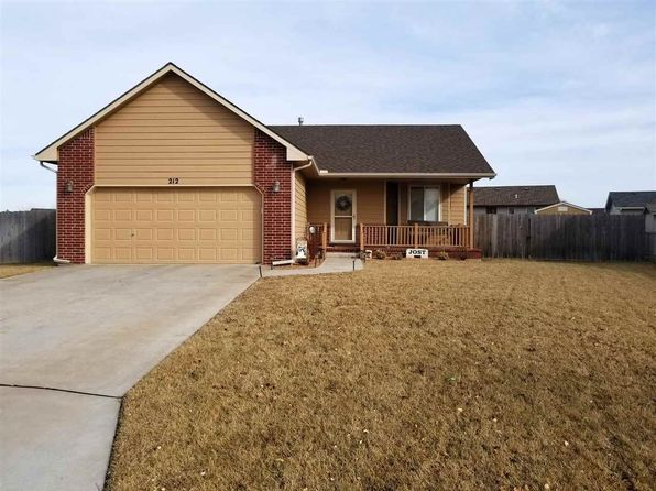 4 bed 3 bath Single Family at 212 Wheatridge Ct Newton, KS, 67114 is for sale at 150k - 1 of 22