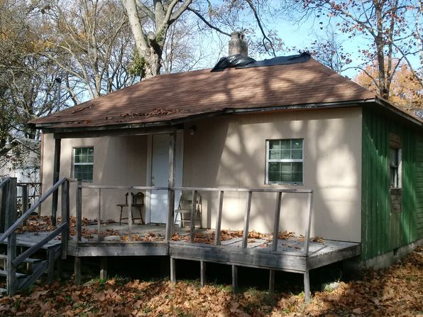 3 bed 1 bath Single Family at 717 MAIN ST EARLE, AR, 72331 is for sale at 10k - 1 of 2