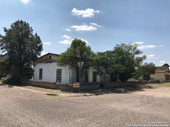 2 bed 1 bath Single Family at 201 W Dallas St Marfa, TX, 79843 is for sale at 200k - 1 of 18