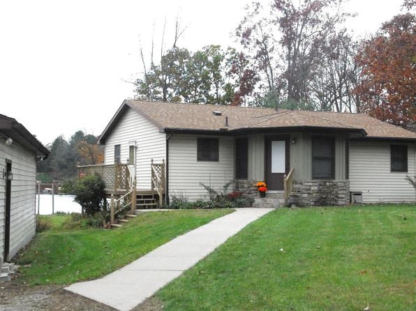 3 bed 3 bath Single Family at 5075 N Fox Rd Sanford, MI, 48657 is for sale at 184k - 1 of 8