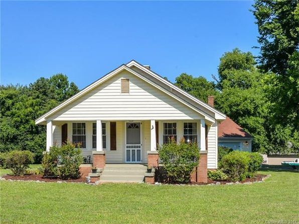 2 bed 1 bath Single Family at 1845 Mollys Backbone Rd Sherrills Ford, NC, 28673 is for sale at 130k - 1 of 19