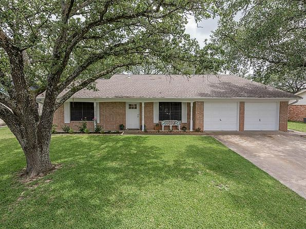 5 bed 3 bath Single Family at 3502 Midwest Dr Bryan, TX, 77802 is for sale at 268k - 1 of 19