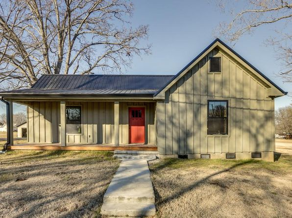 3 bed 2 bath Single Family at 201 College St Burns, TN, 37029 is for sale at 223k - 1 of 21