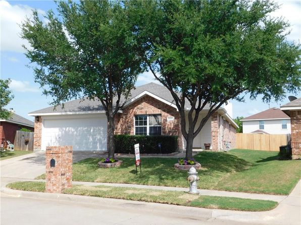 4 bed 2 bath Single Family at 8500 Hawks Nest Dr Fort Worth, TX, 76131 is for sale at 195k - 1 of 22