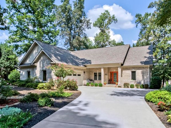 3 bed 2 bath Single Family at 241 Cheestana Way Loudon, TN, 37774 is for sale at 339k - 1 of 35