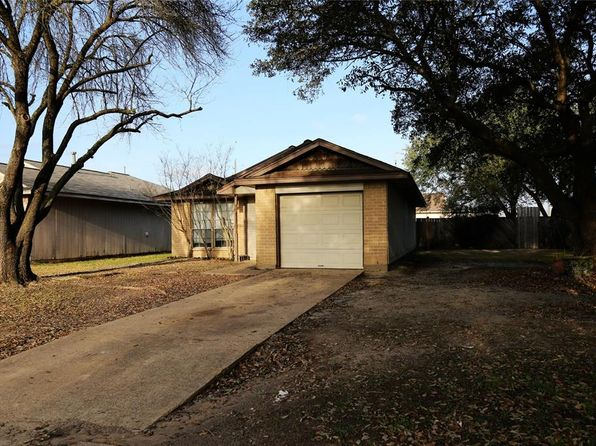 2 bed 1 bath Single Family at 1611 Bugle Run Dr Katy, TX, 77449 is for sale at 119k - 1 of 11