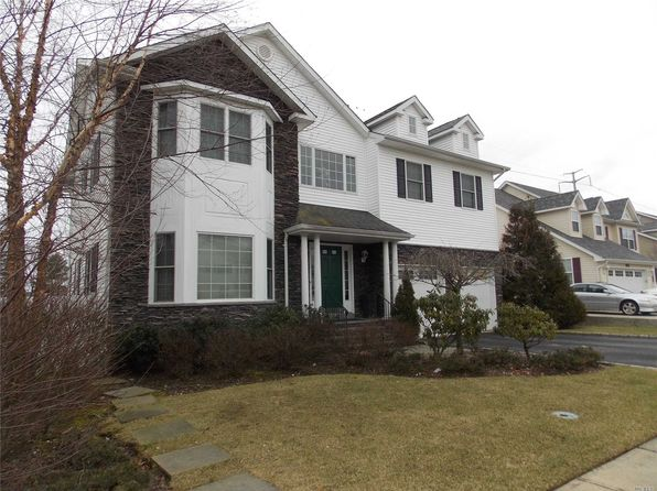 4 bed 3 bath Single Family at 327 Fairway Dr Farmingdale, NY, 11735 is for sale at 899k - 1 of 18