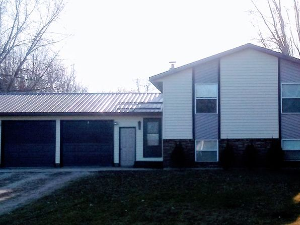4 bed 2 bath Single Family at 1545 59th Ave NW Willmar, MN, 56201 is for sale at 179k - google static map