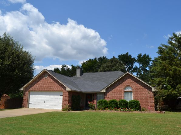 3 bed 2 bath Single Family at 813 Bentwood Cir Lindale, TX, 75771 is for sale at 145k - 1 of 19