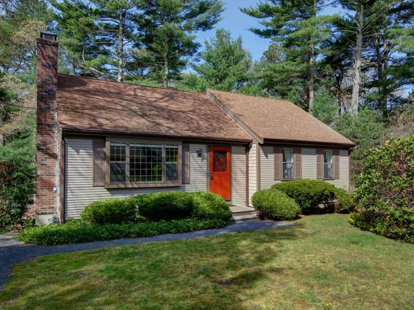 2 bed 3 bath Single Family at 39 BLACK OAK RD MARSTONS MILLS, MA, 02648 is for sale at 319k - 1 of 13