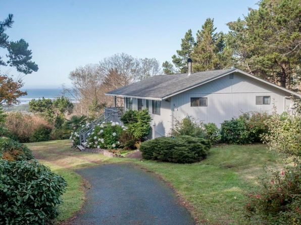 3 bed 2 bath Single Family at 951 NW Lanai Loop Seal Rock, OR, 97376 is for sale at 398k - 1 of 34