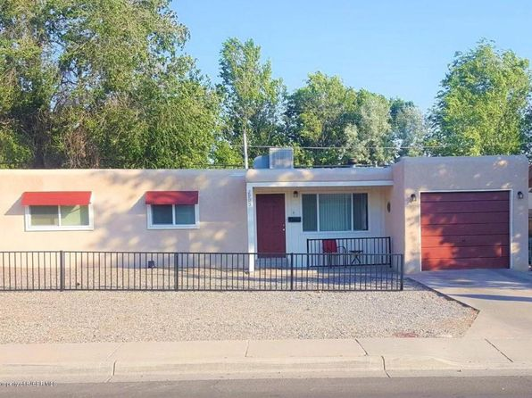 3 bed 1 bath Single Family at 2905 Edgecliff Dr Farmington, NM, 87402 is for sale at 122k - 1 of 13