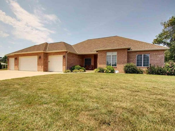 6 bed 4 bath Single Family at 818 S 43rd St Quincy, IL, 62305 is for sale at 409k - 1 of 11