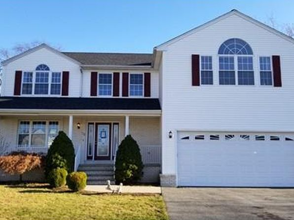 4 bed 2.5 bath Townhouse at 16 HAMLET CT BRISTOL, RI, 02809 is for sale at 465k - 1 of 30