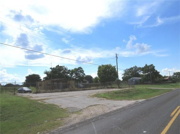 5 bed 3 bath Single Family at 163 N F Rockdale, TX, 76567 is for sale at 170k - 1 of 40
