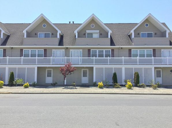 2 bed 4 bath Townhouse at 1301 SW Central Ave Seaside Park, NJ, 08752 is for sale at 499k - 1 of 18
