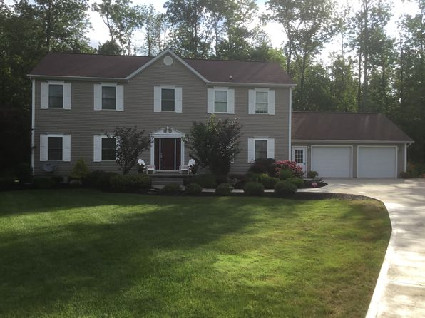 4 bed 3 bath Single Family at 9 Beach Pl Fredonia, NY, 14063 is for sale at 305k - 1 of 28