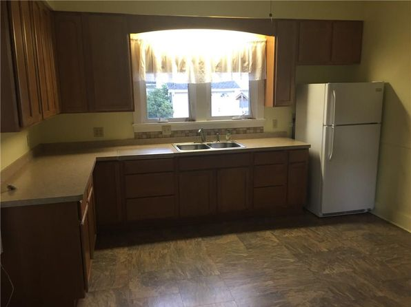 4 bed 2 bath Single Family at 4 Smith St Sodus, NY, 14551 is for sale at 65k - 1 of 7