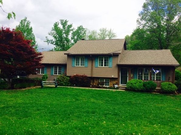 3 bed 2 bath Single Family at 1603 E Springwood Dr Sullivan, IN, 47882 is for sale at 220k - 1 of 20