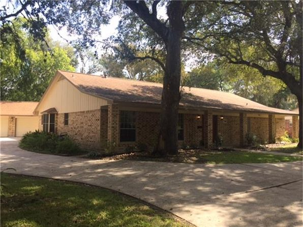 4 bed 3 bath Single Family at 307 Narcissus St Lake Jackson, TX, 77566 is for sale at 235k - 1 of 32
