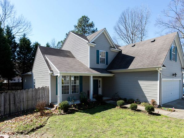 5 bed 4 bath Single Family at 200 Robin Hood Dr Yorktown, VA, 23693 is for sale at 389k - 1 of 14