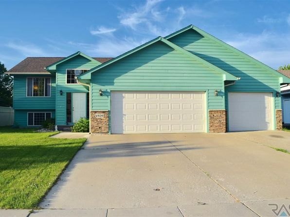 4 bed 2 bath Single Family at 4920 E 3rd St Sioux Falls, SD, 57110 is for sale at 235k - 1 of 18