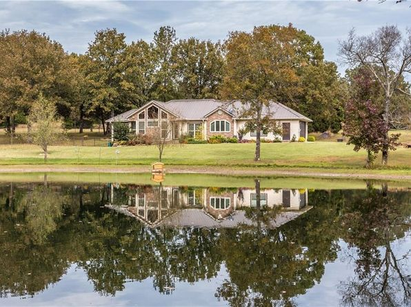 2 bed 2 bath Single Family at 5320 W Graphic Rd Mountainburg, AR, 72946 is for sale at 250k - 1 of 30