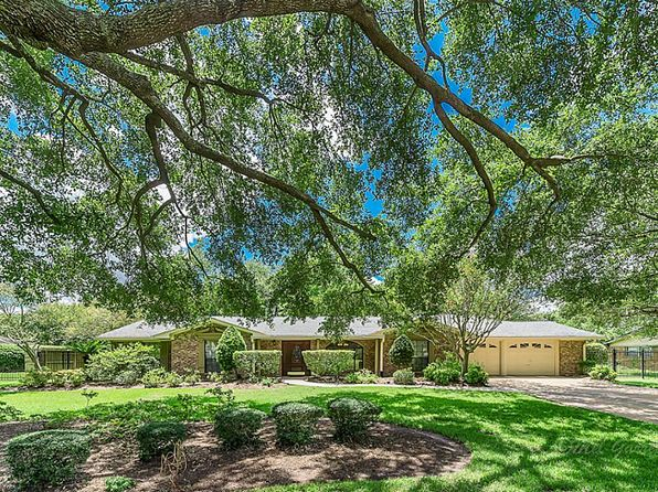 4 bed 4 bath Single Family at 15905 Tahoe Dr Jersey Village, TX, 77040 is for sale at 327k - 1 of 25