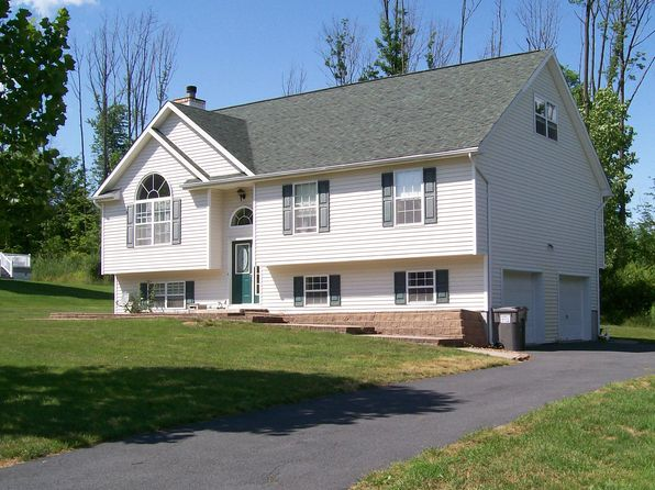3 bed 3 bath Single Family at 3 Vanderbilt Dr Highland Mills, NY, 10930 is for sale at 425k - 1 of 40
