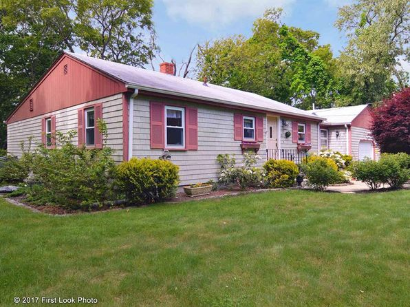2 bed 1 bath Single Family at 81 Winchester Dr South Kingstown, RI, 02879 is for sale at 415k - 1 of 35