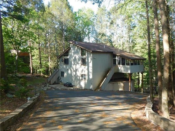 4 bed 2 bath Single Family at 207 Manchester Dr Bushkill, PA, 18324 is for sale at 135k - 1 of 3