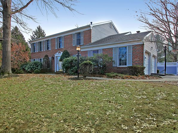 5 bed 4 bath Single Family at 9 Tamarack Dr Branchburg, NJ, 08853 is for sale at 675k - 1 of 33
