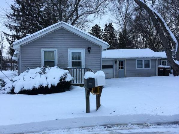 1 bed 1 bath Single Family at 114 Oak St Berrien Springs, MI, 49103 is for sale at 45k - 1 of 5