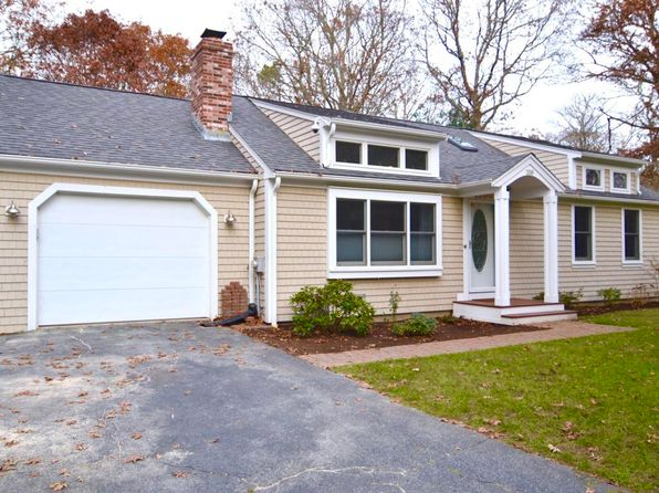 2 bed 2 bath Single Family at 338 White Oak Trl Centerville, MA, 02632 is for sale at 380k - 1 of 17