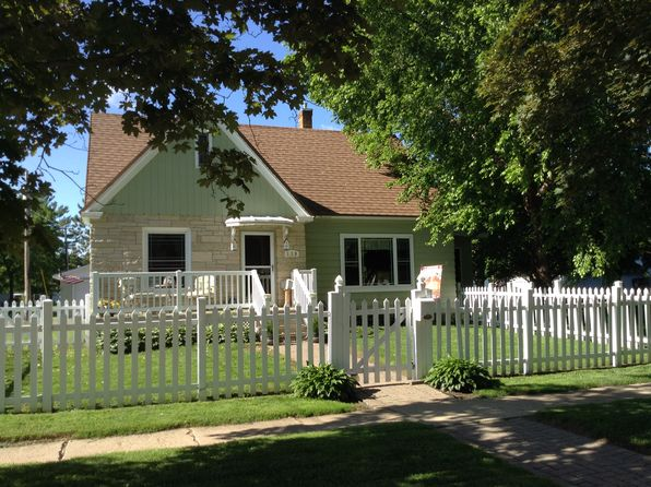 3 bed 2 bath Single Family at 119 W Court St New Lisbon, WI, 53950 is for sale at 130k - 1 of 15