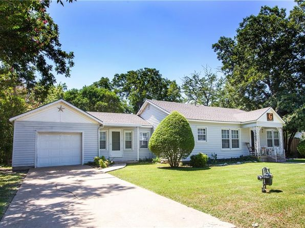 3 bed 2 bath Single Family at 8207 Delmar St Fort Worth, TX, 76108 is for sale at 125k - 1 of 28