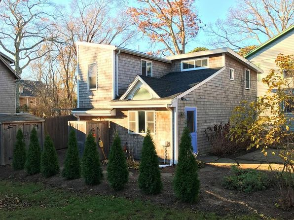 2 bed 1 bath Single Family at 14 Myrtle Ave Vineyard Haven, MA, 02568 is for sale at 525k - 1 of 18