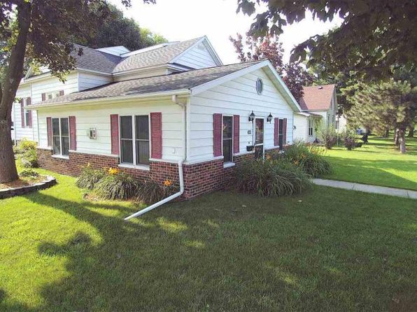3 bed 1 bath Single Family at 422 4th St SW Waverly, IA, 50677 is for sale at 155k - 1 of 19