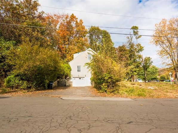 3 bed 2 bath Single Family at 164 Saddle River Rd Airmont, NY, 10952 is for sale at 449k - 1 of 4